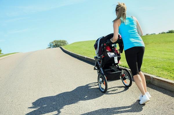 In timpul alaptarii, poti face sport alaturi de bebelusul tau