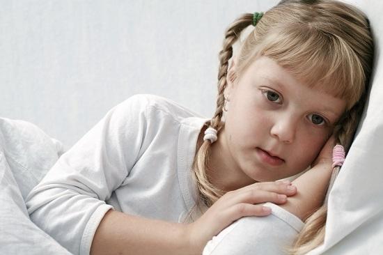 Copilul bolnav poate fi deprimat