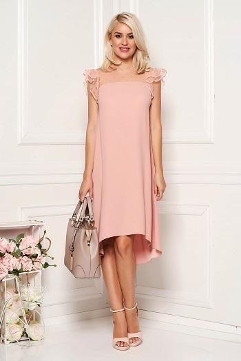 Rochie de culoarea piersicii