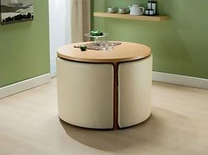 Idee de design pentru apartamentele mici-set de masa si scaune ce se strang laolalta