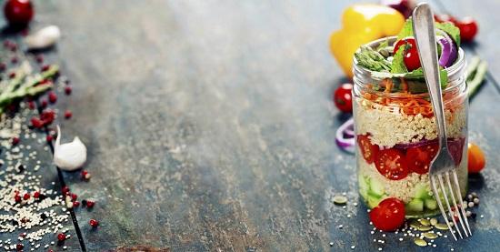 Couscousul poate constitui baza unei salate cu legume