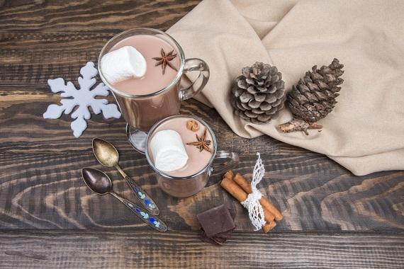 Ciocolata calda cu scortisoara si cu Marshmallow