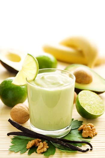 Smoothie cu avocado si vanilie