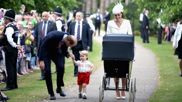 Printul William ii vorbeste fiului sau, George