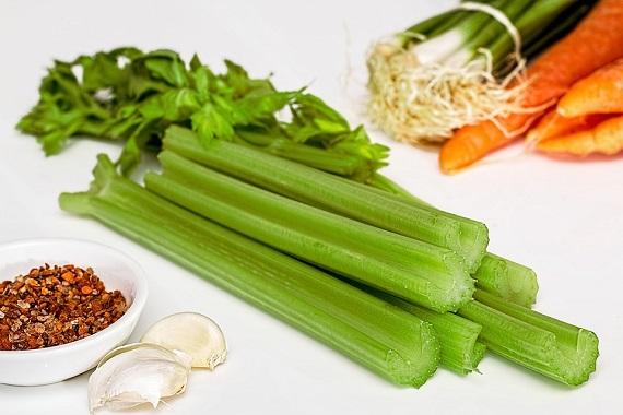 Telina de petiol alaturi de alte legume