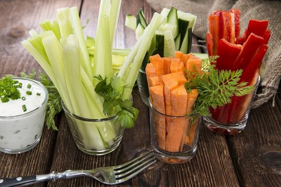 Sticks-uri de legume si iaurt