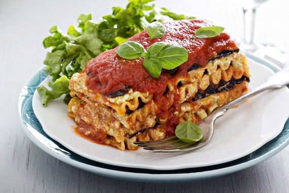 Lasagna cu vinete si pasta de tomate