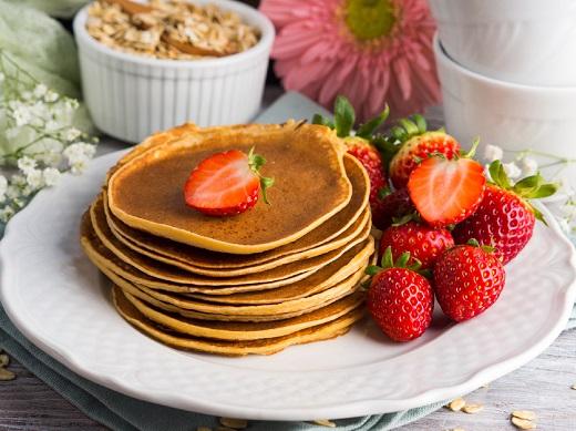 Pancakes cu ovaz si cu capsune