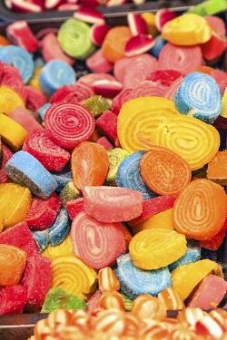 Bomboanele si jeleurile, interzise copiilor pana la 2 ani