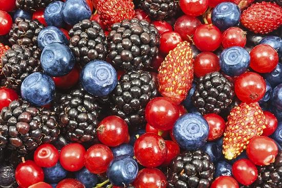 Capsunele si fructele de padure, interzise bebelusilor sub 1 an