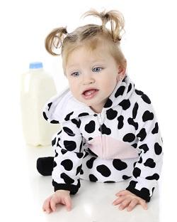 laptele de vaca, aliment interzis pentru bebelusii de pana la 1 an