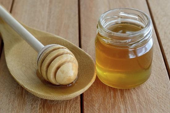 Mierea, aliment interzis pentru bebelusii mai mici de 1 an