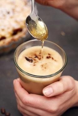 Bautura cu scortisoara, lapte si miere