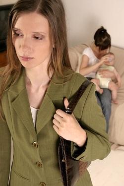 De ce bebelusii mai mari accepta greu persoanele straine?
