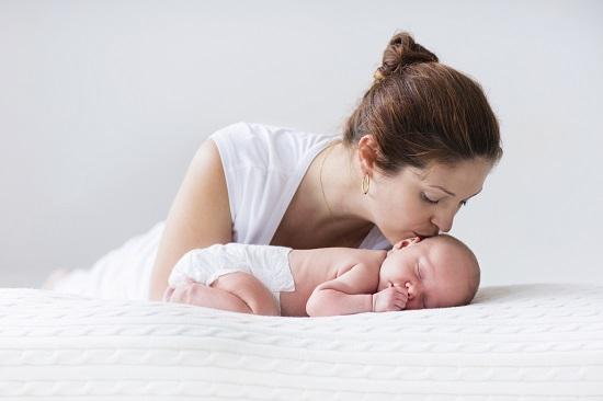 Mister al bebelusilor- De ce au picioarele strambe?