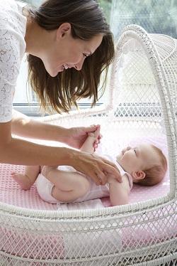 De ce bebelusii sunt atat de neajutorati?
