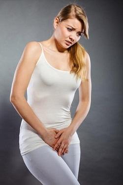 Femeie cu disconfort in zona intima
