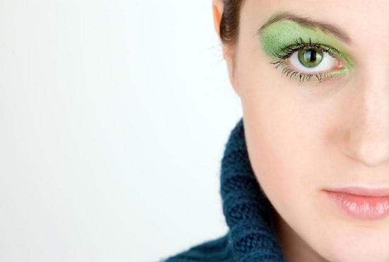 Machiaj al ochilor verzi