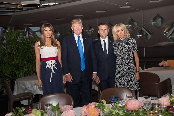Cuplul prezidential francez alaturi de cel american