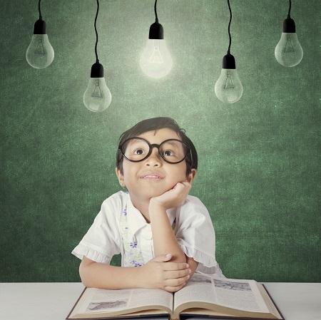 Citat Educatia este cea mai buna cale de a iesi din intuneric spre lumina