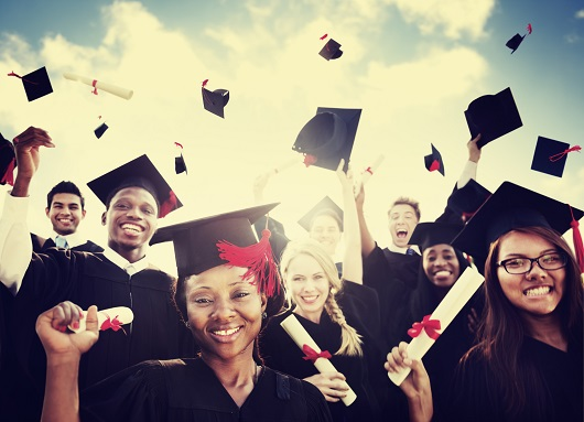 Citat despre educatie Aristotel: Radacinile educatiei sunt amare, dar roadele sunt dulci