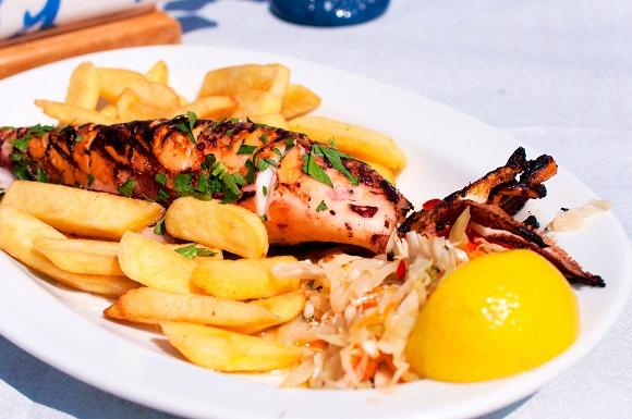 Calamar cu cartofi prajiti