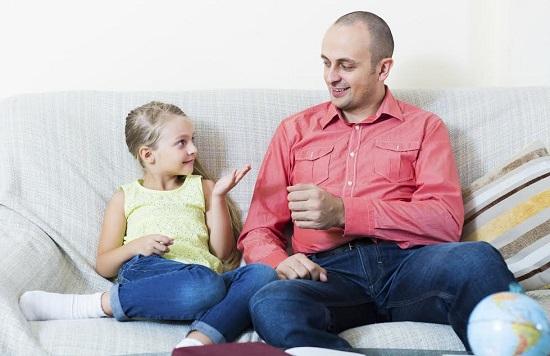 Un tata trebuie sa constientizeze ca si el este un model pentru educatia fiicei lui