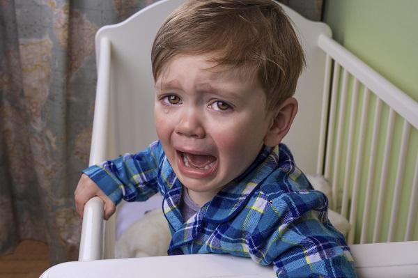 Somn intrerupt la copil din cauza unor cosmaruri