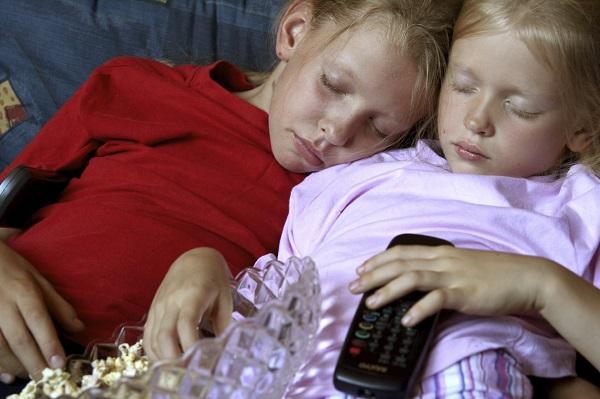 Prezenta televizorului in camera copilului este daunatoare