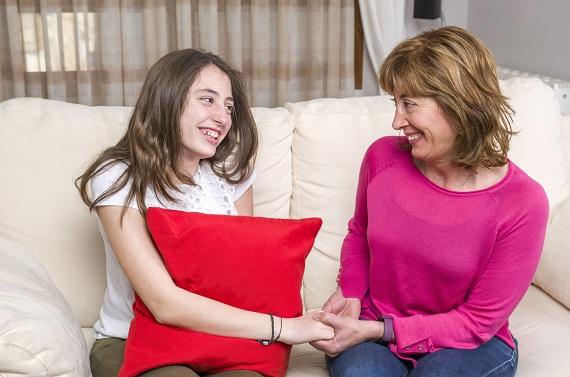 Mama si fiica adolescenta