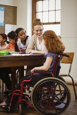 Dreptul copilului cu dizabilitati de a avea o viata cat mai normala