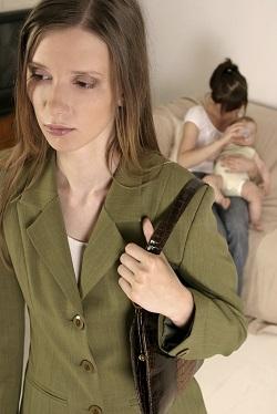 Mama nu poate comunica cu bona copilului