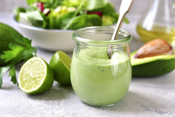 Pasta de avocado, cu iaurt