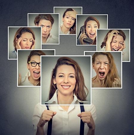Expresii faciale diferite ale unei femei