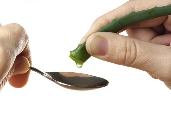 Stoarcem suc din frunza de Aloe