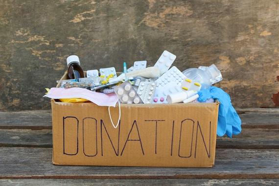 Cutie cu medicamente pentru o donatie