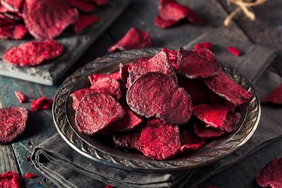 Chips-uri din sfecla rosie