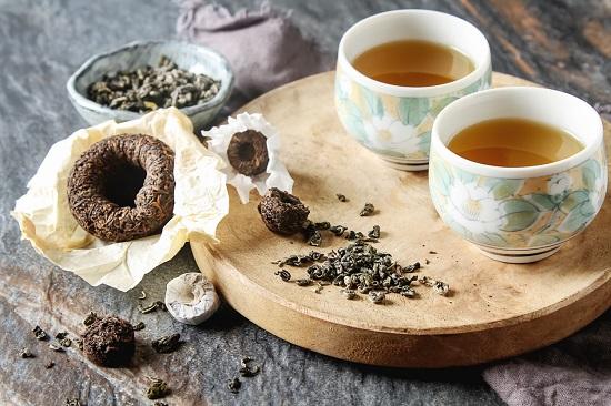 Ceai Pu-erh si plante uscate