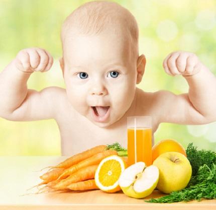 Bebelus alaturi de alimente bogate in vitamina A