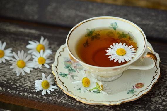Ceai de musetel in cana