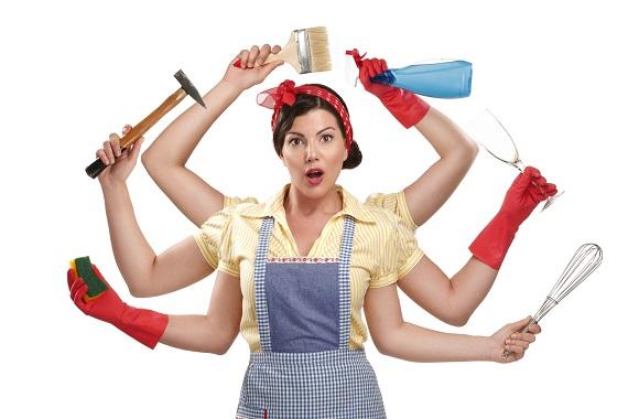 Femeie care trebuie sa faca mai multe treburi odata