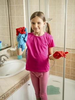 Pana la 10 ani, un copil ar trebui sa stie sa curete baia