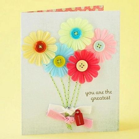 Model de felicitare de 8 Martie cu buchet de flori