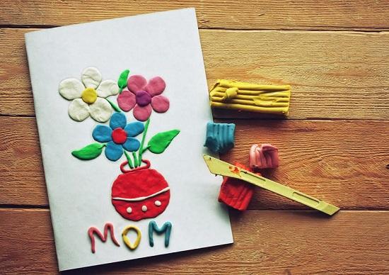 Felicitare cu flori din plastilina, pentru mama