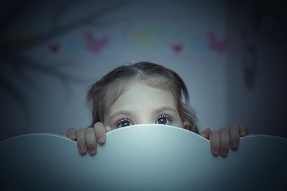 Fetita ce nu doarmne noaptea