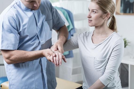 Consult medical pentru diagnosticarea sindromului de tunel carpian