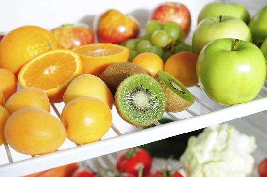 Fructele si legumele se mentin mai proaspete daca nu le speli inainte sa le pui la frigider