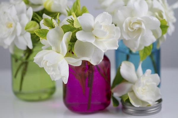 Mini-vaze din borcane