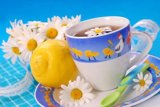 Cana cu ceai de musetel
