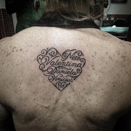 Tatuaj inima complicat, cu numele copiilor